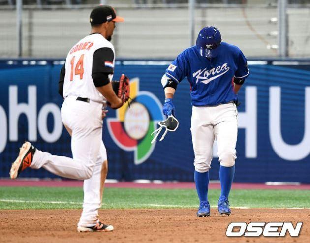 野球強国韓国代表がオランダに敗れ危機