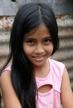 フィリピン人少女