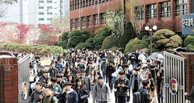 【韓国経済崩壊]実質韓国人青年の4人に一人が失業‥青年失業率11.6%‥バイトを含めると24% 韓国経済ニュース