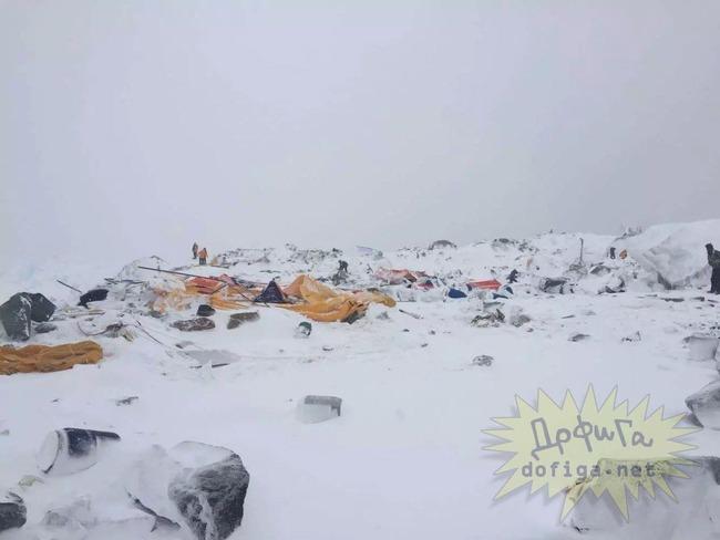 エベレスト雪崩被災者