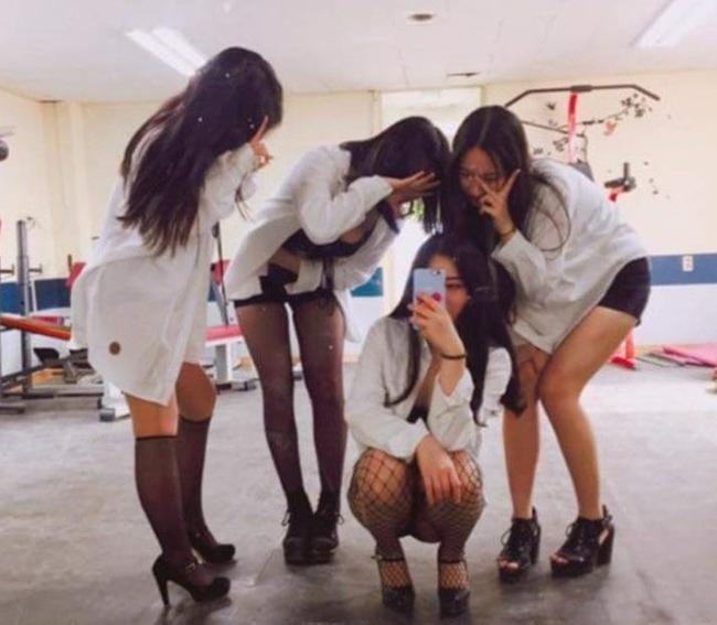 韓国の女子高生ダンスサークル