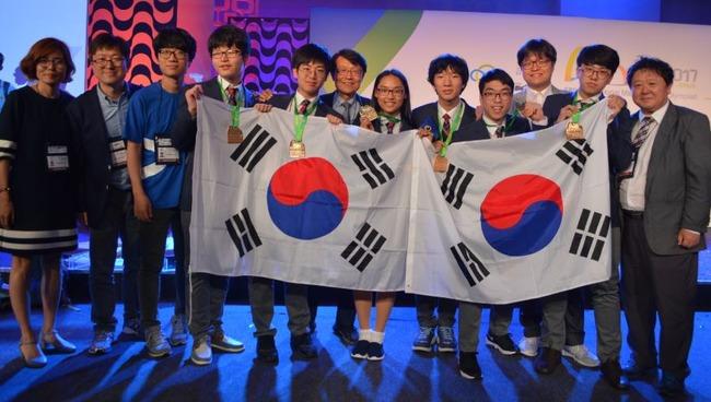 韓国人「韓国の数学オリンピック出場者の順位が1位→7位に墜落!揺れる韓国の基礎科学」 韓国の反応