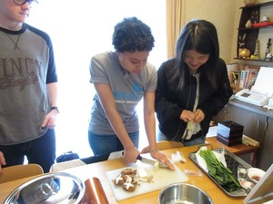 Marissa cutting rice cakes