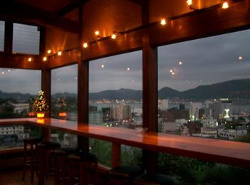 関門海峡を望みながら、素敵な夜を・・・