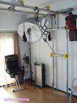 0、天井から吊るせる様にパイプを組んだ調教部屋