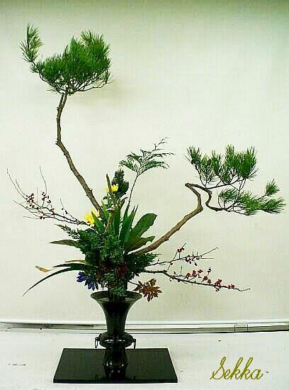 古典立花教室ー秋松と梅もどき(縮小版)