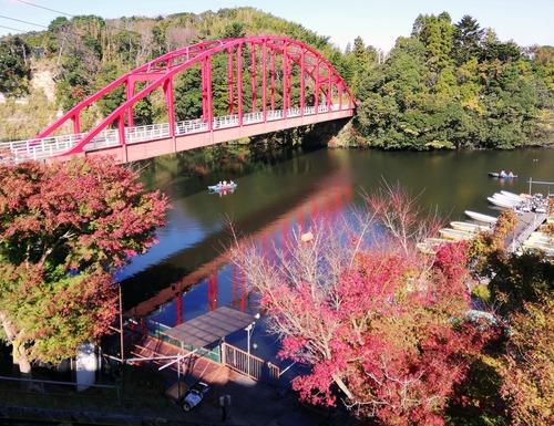 20201122亀山湖の赤い橋