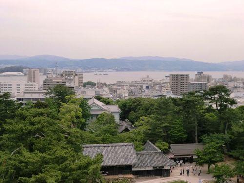 松江城の天守閣からの景色
