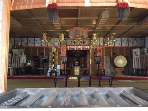 20190404_拝殿中