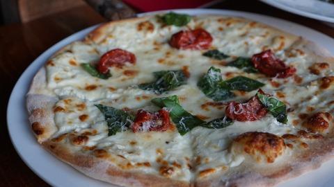 pizza-972782_1920