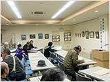 1鳥取市立図書館での剪画展示