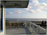 海辺のシーフード・レストラン