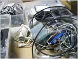 ケーブルがいっぱい