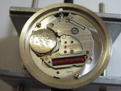 オーディマピゲ ロイヤルオークの文字盤の裏側(電池交換後)
