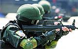 憂国の旅団根拠地を強襲する国家保安省特殊部隊