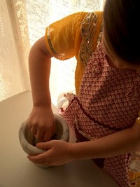 2008.12.24 grinding cloves