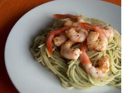 pasta with rocket pesto & lemon shrimp