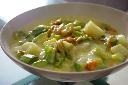 2012.05.08 courgette blossom stew