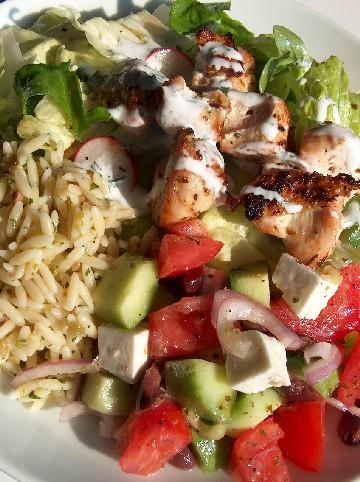 chicken souvlaki salad plate
