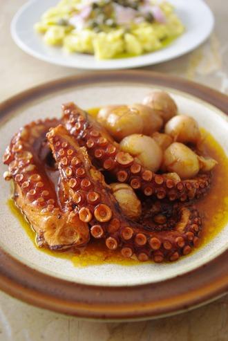 2014.03.20 octopus  stifado with muscari bulbs
