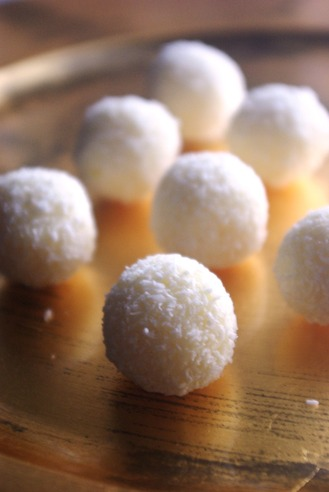 2016.12.23 coconut truffles