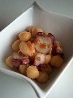 octopus & chickpea hishioae