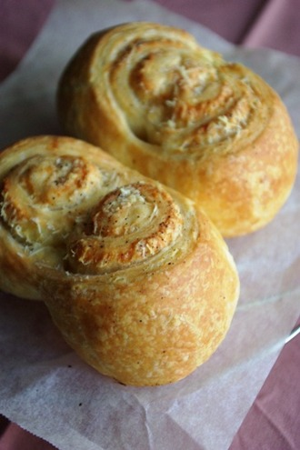 2012.03.21 cheese rolls1