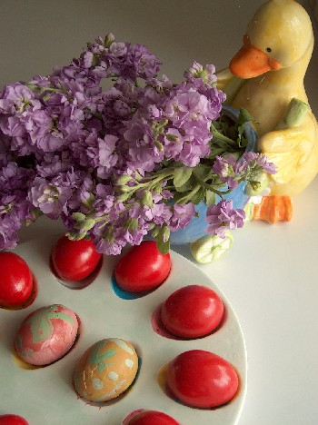 2008.04.23 easter eggs