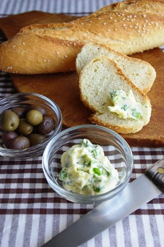 2010.09.07 spring onion & dill butter