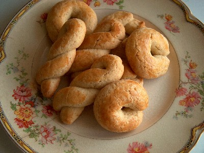 2008.04.24 easter biscuits