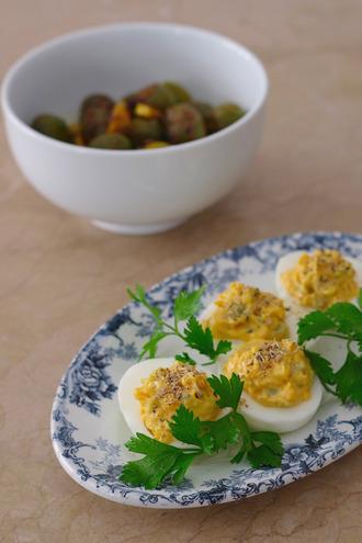 2020.10.26 olive achar deviled eggs0