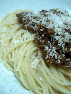 spaghetti with Greek meat sauce