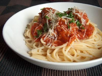 2008.09.27 spaghetti with meatballs2