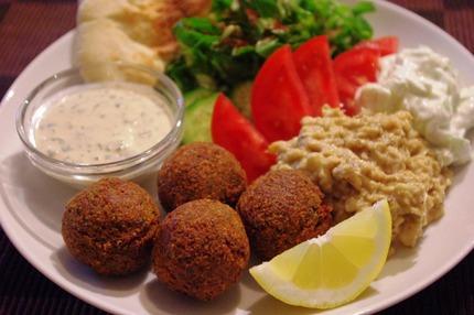 2012.04.17 falafel with pastourma1