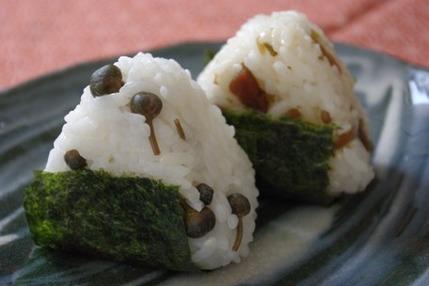 2009.05.24 caper onigiri2