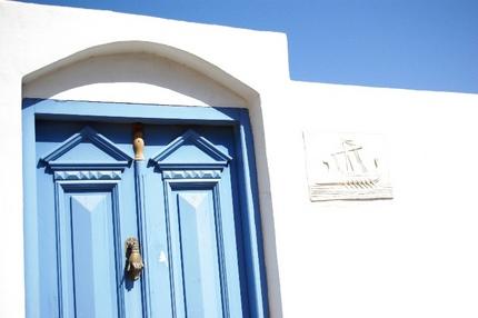 2009.09.01 blue door