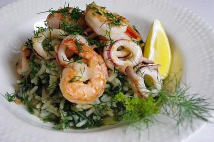 2010.06.19 spanakorizo with chili-lemon squid & prawns2