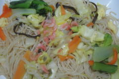 1日に必要な野菜の1/3が 摂れるビーフン
