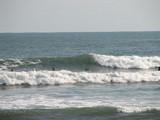 吉崎浜の波