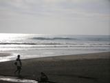 花篭前の波