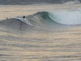 東浪見の波