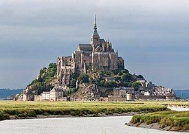 275px-Mont_St_Michel_3,_Brittany,_France_-_July_2011