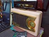 1995年ポータブル四球ラジオ モトローラ 56L3A
