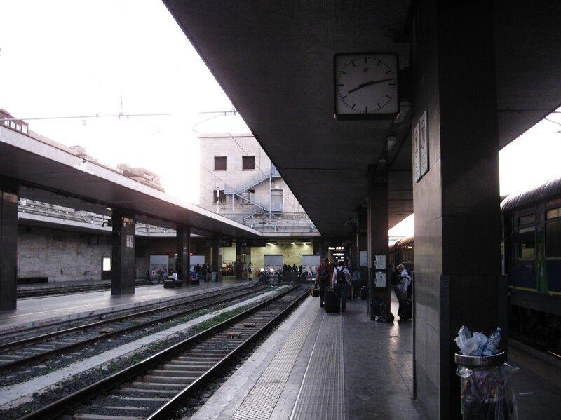 【🤔】ここに来て「鉄道人身事故」が週30件超に これって、あっ・・・