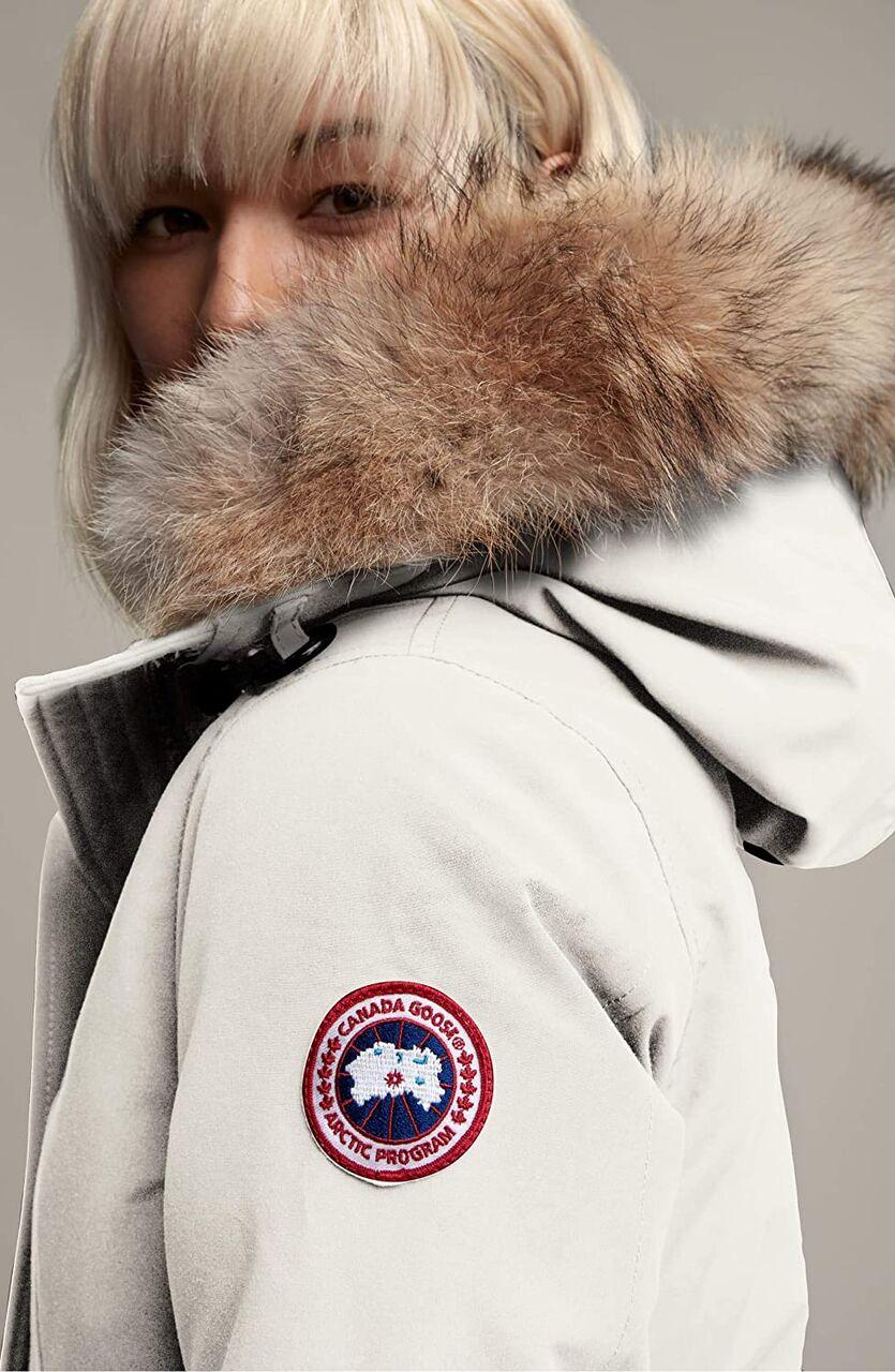 【画像】ワイもついにあの冬のマストアイテム「カナダグース」のコート買うぞwwwwwwwwこれどっちがいい?