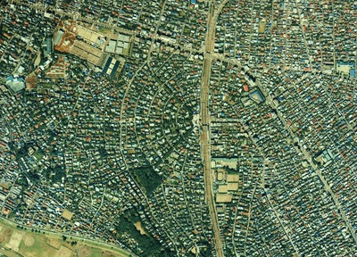 1280px-Aerial_photograph_of_Denenchofu_district_Tokyo