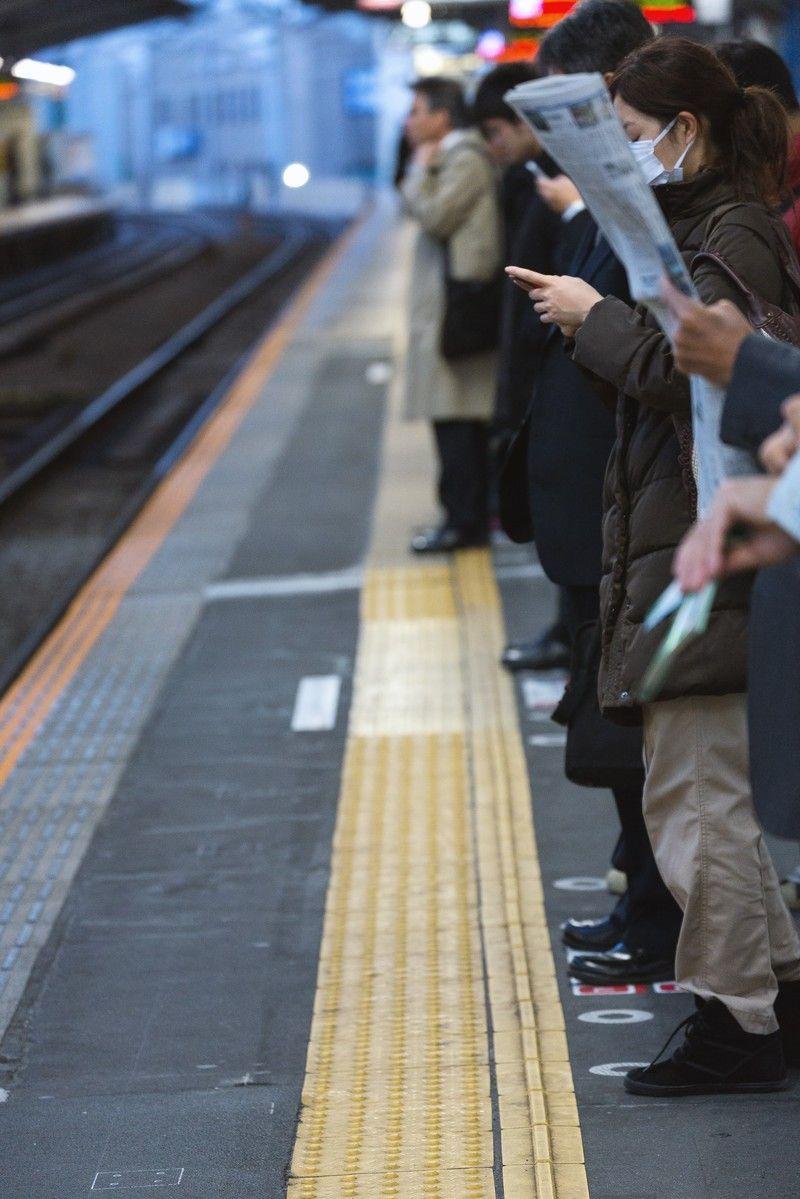 駅でたまに「ここ3列で並ぶところなのに2列でしか並んでないやん」ってのがよくあるじゃん? せやから