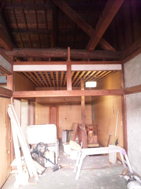 天井までの壁を再構築
