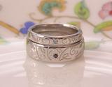 猫の足跡、結婚指輪