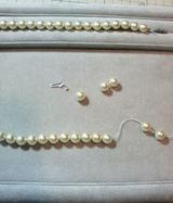 真珠のネックレス糸換え